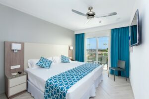 RIU Papayas – family room pool/garden view
